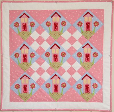 'Cottages On The Hill' quilt