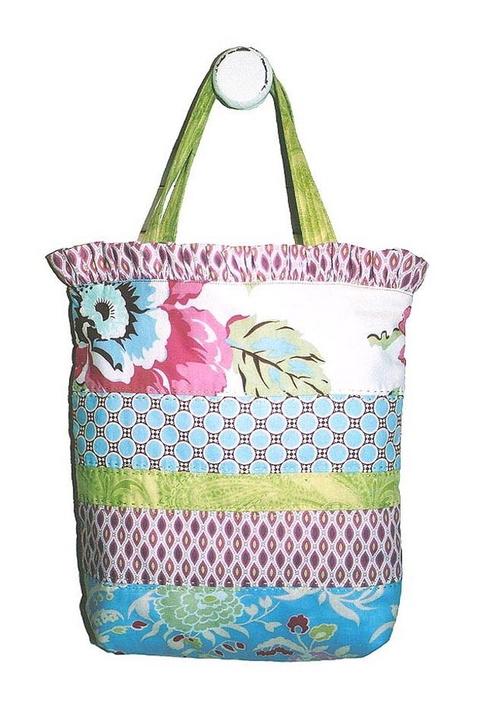 Naomi's little carry bag